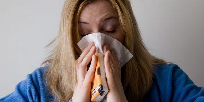 simptome rinita alergica